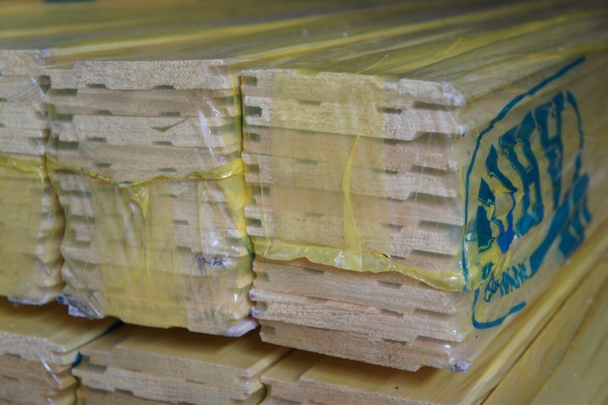 Lambris en plafond faire un devis gratuit en ligne for Faire un plafond en lambris